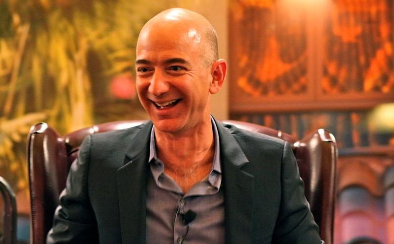 Jeff Bezos: Robotstyrte hender blir vanlig innen ti år