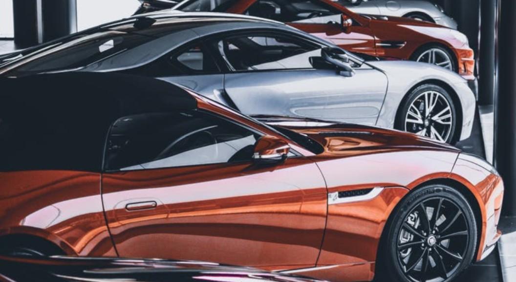 Tesla er nå bestselgende bilmerke i Norge