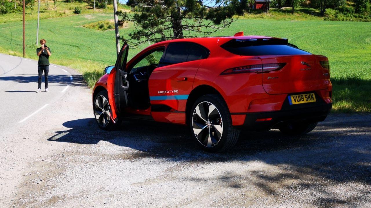 i-pace-elbil-elektrisk-bil-lyd-eu