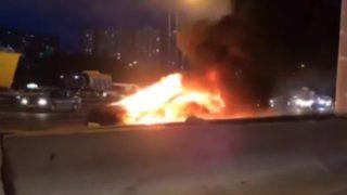 Tesla Model S brann og eksplosjon