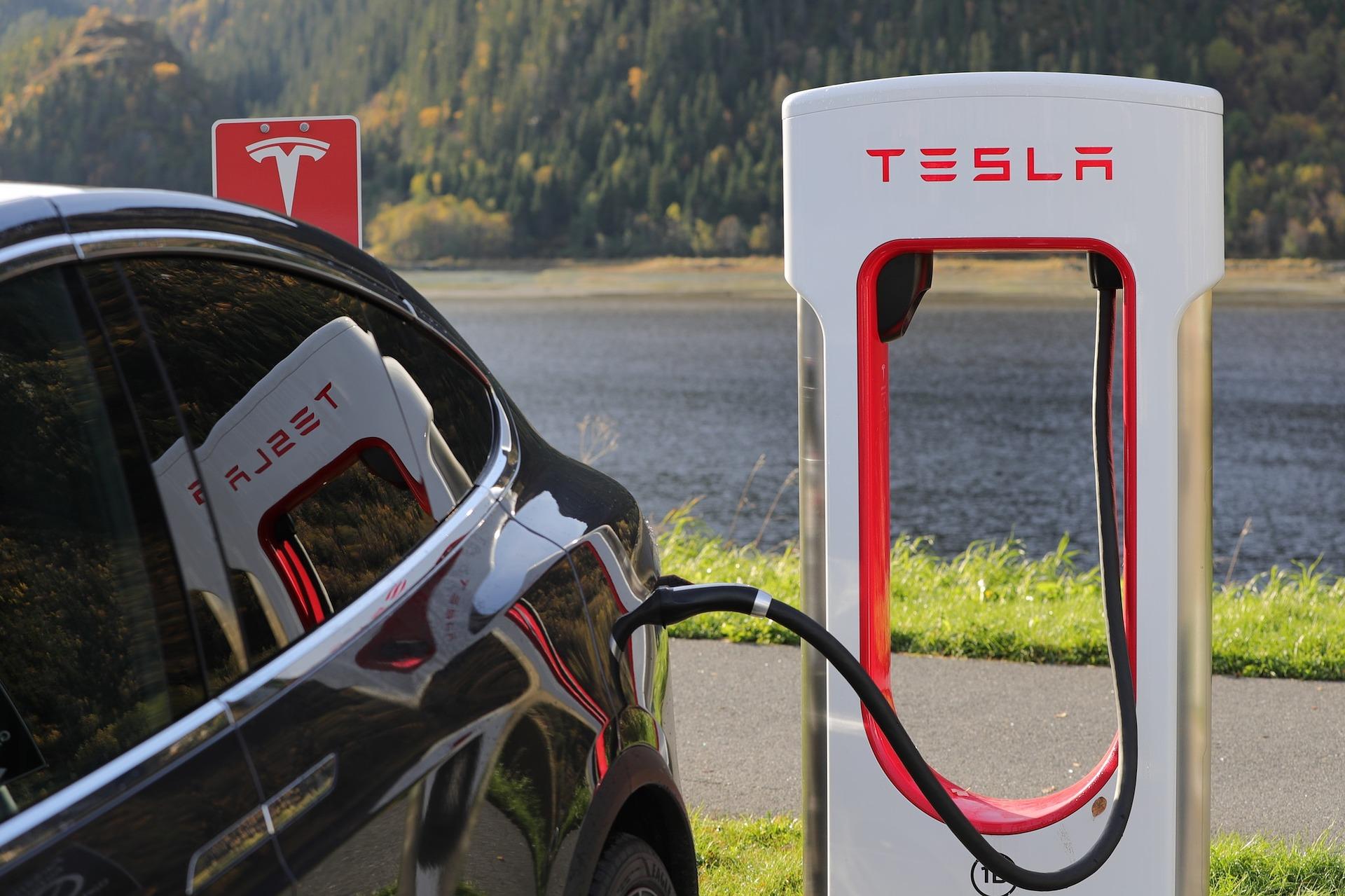 Tesla lading