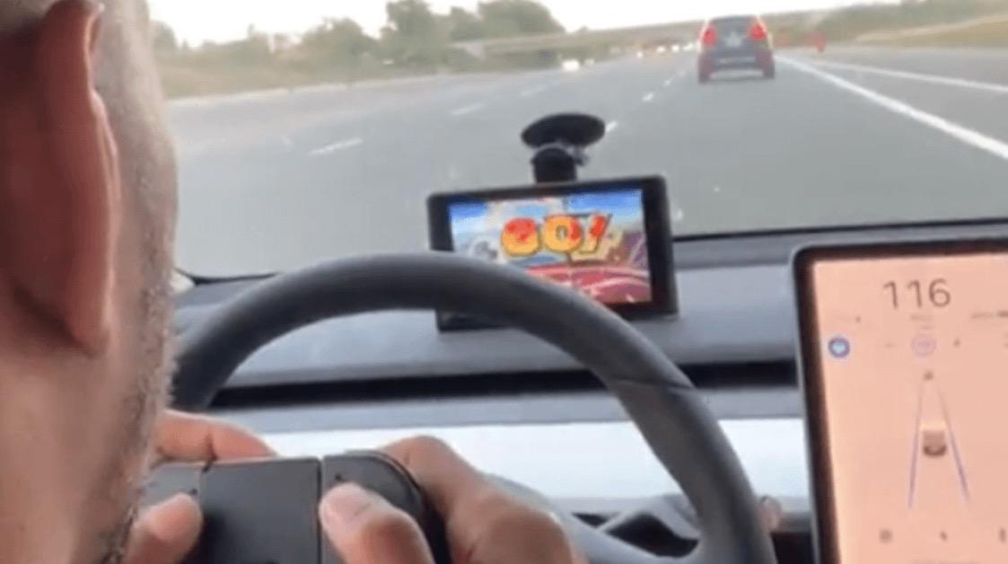 Tesla Autopilot Smash
