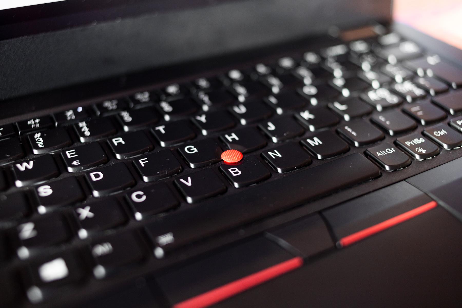 TEST: ThinkPad L13 oser 80 talls business, og har en rød