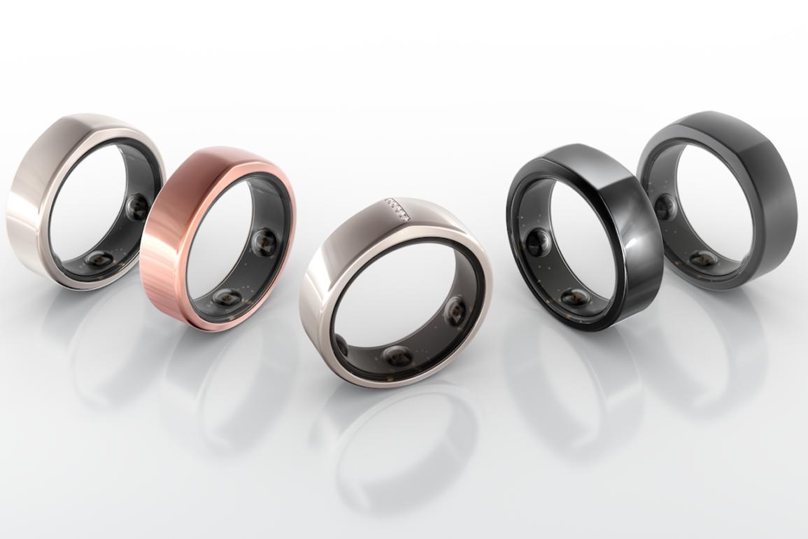 Oura Health har laget denne smarte ringen som sporer søvn og andre helseindikatorer.