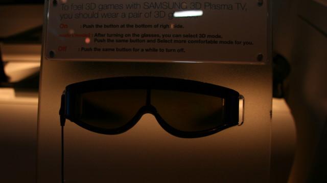 <b>IKKE AKKURAT RAY-BAN</b>: Her er brillene du må ha på deg for å få den optimale 3D-opplevelsen.