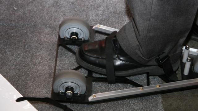 <b>FESTESTROPPER: </b> iShoes festes til skoene med vanlige stropper.