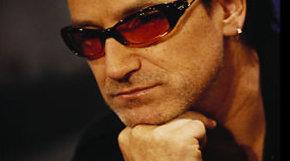 Superstjernen Bono ønsker seg en endelig løsning på fildelingsproblemet i 2010.