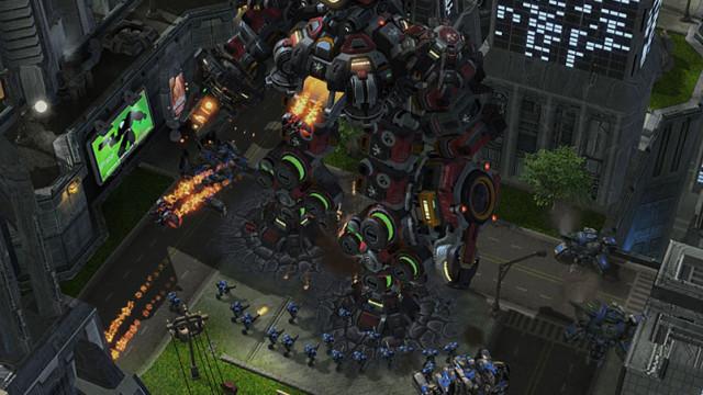 Terra-Tron er utvilsomt den største enheten du finner i Starcraft-universet.