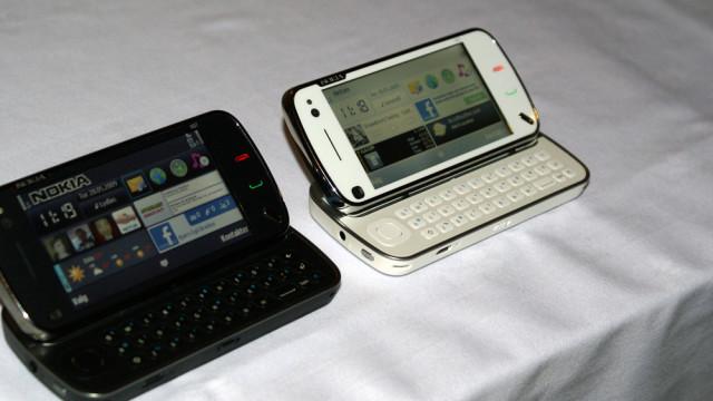 N97 fås i to varianter