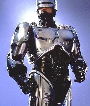 Robocop-konseptet ligger 50 år unna i tid, mener britisk ekspert.