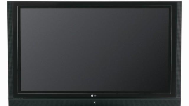 Plasma-TV-er som denne fra LG selges i pallevis til film- og sportsinteresserte.