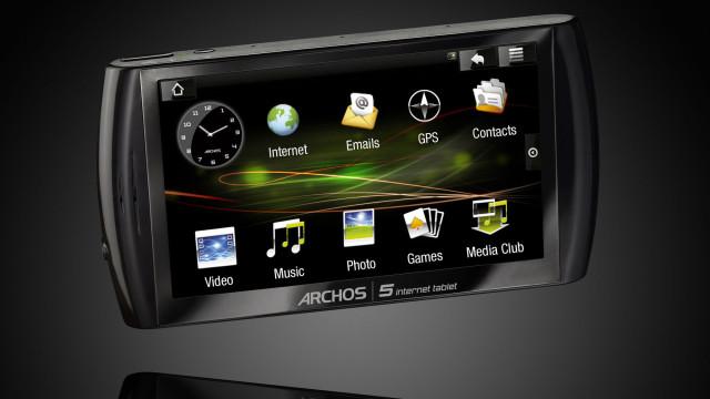 Archos får mye kritikk fra kunder som mener de brukes som beta-testere. Amazon har nå stoppet salget av 160GB-modellen inntil videre.