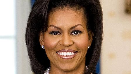 Et manipulert, klart rasistisk bilde av Michelle Obama havner fortsatt øverst på Googles bildesøk. Nå sier søkemotoren unnskyld.