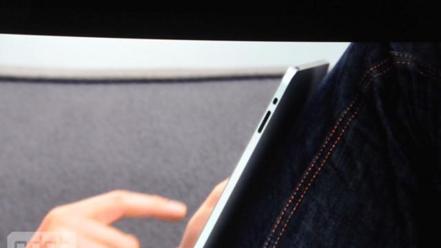 apple-tablet-keynote_196