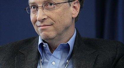 Gates innrømmer at han ble imponert av iPhone og var redd for at selskapet hans ikke hadde gjort nok. Det samme mener han ikke om iPad.