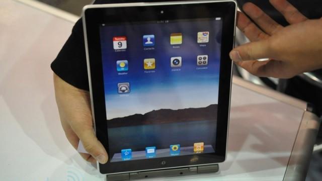 iPad 2-mockupen er 9.4 mm tykk og har frontkamera.