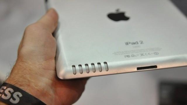 iPad 2-mockupen som dukket opp på CES 2011 i forkant av Apples avduking av iPad 2. Likheten med det endeilge produktet er slående. Apple lekker ikke dette, men det gjør tilbehørs-produsentene.