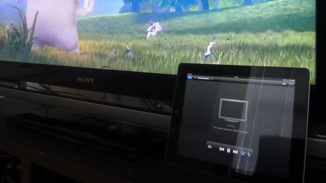 AirPlay? Ikke noe problem. Det fungerer uten å måtte gjøre noe som helst med iPaden eller OSet.