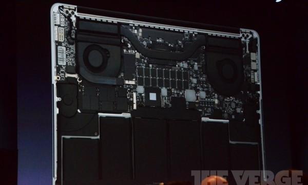Batteriene tar veldig mye plass i nye MacBook Pro.