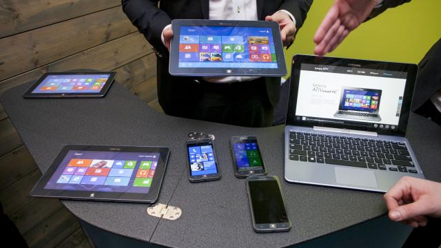 Samsung hadde med seg Windows 8 RT-nettbrett med 12-timers batterilevetid, og en hybrid-datamaskin som leveres med Atom eller Core i5 (i7 blir ikke tilgjenglig).