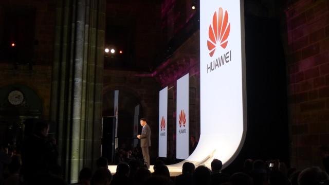 Huawei startet MWC 2013-showet.