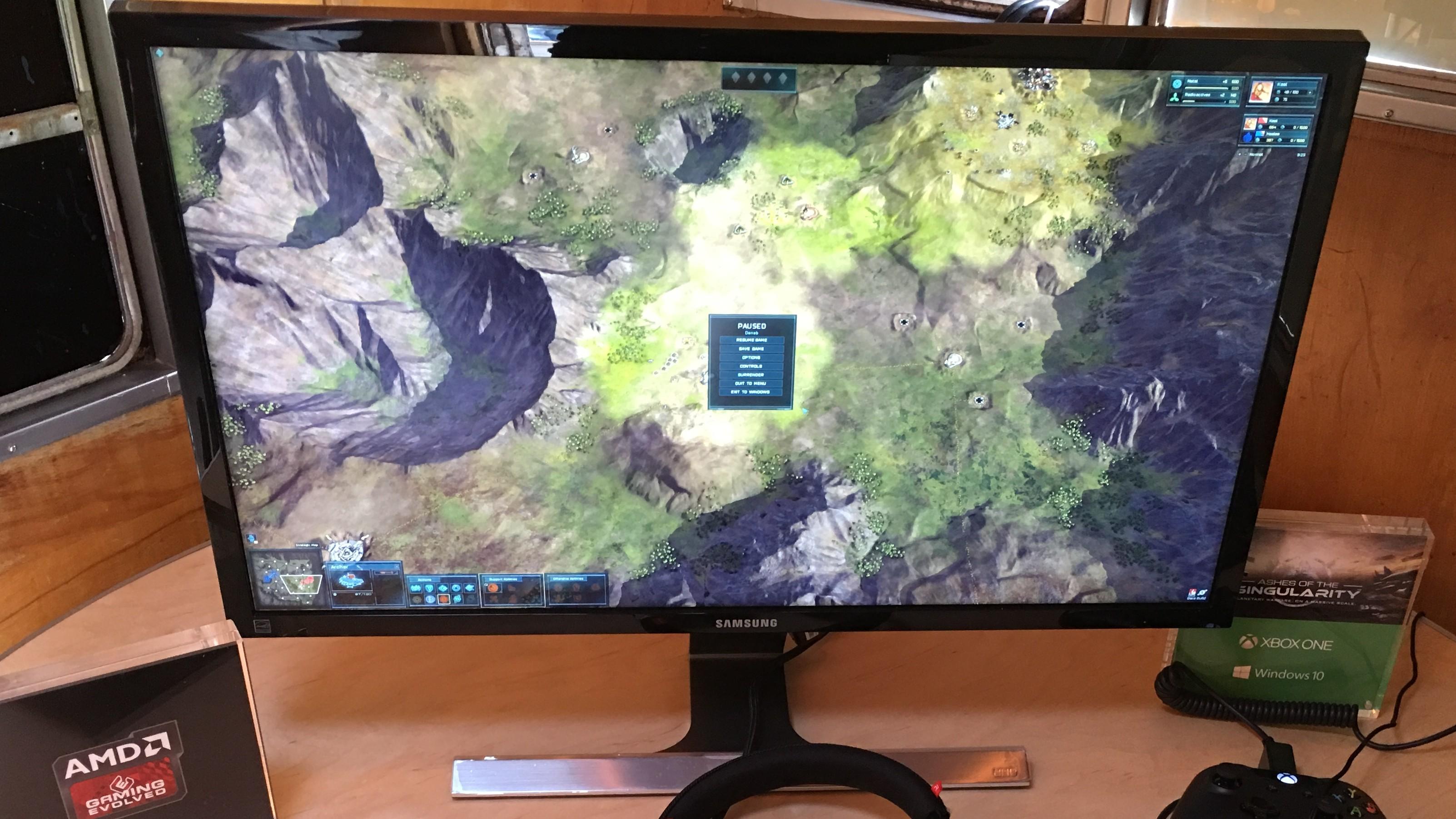 Ashes of the Singularity tar nytte av DirecX 12 som ingen andre spill. Har du et ekstra skjermkort liggende er det bare å stappe det i maskinen, og spillet tar automatisk nytte av det uten behov for SLI eller Crossfire.
