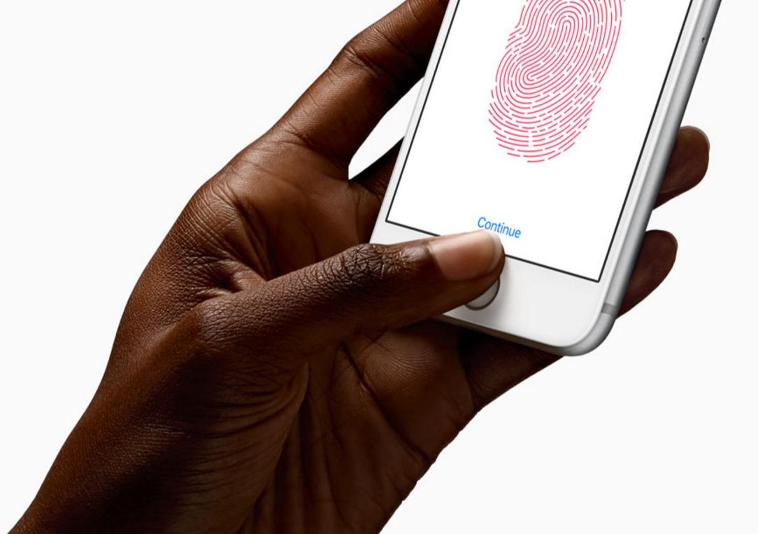 Norsk politi får lov å tvinge en narkosiktet til å låse opp iPhone-enheten sin med tommelen.