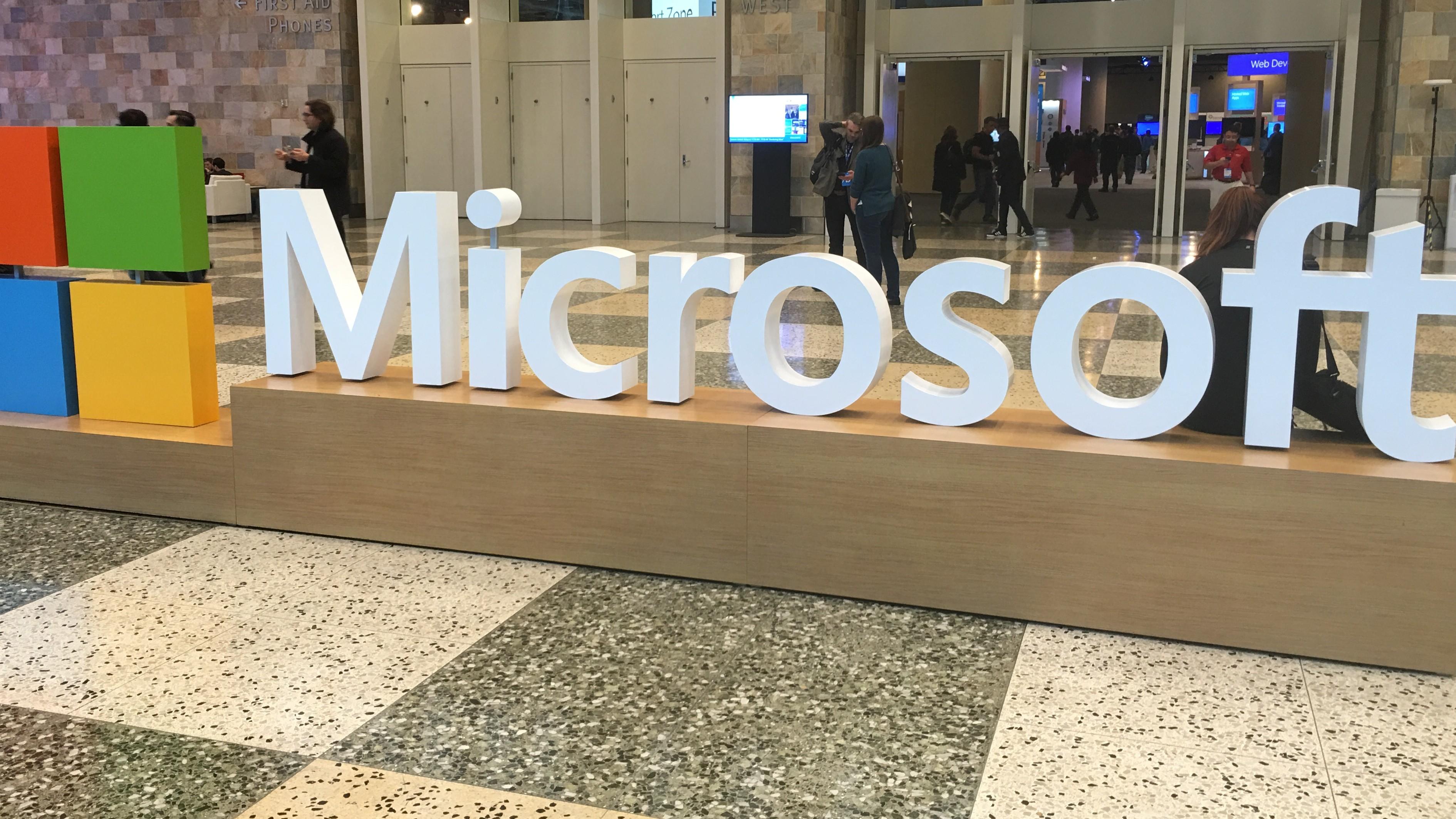 Microsoft kom sent til en rekke marked - fordelen er at de nå har ett OS til alle enheter i motsetning til Apple og Google.