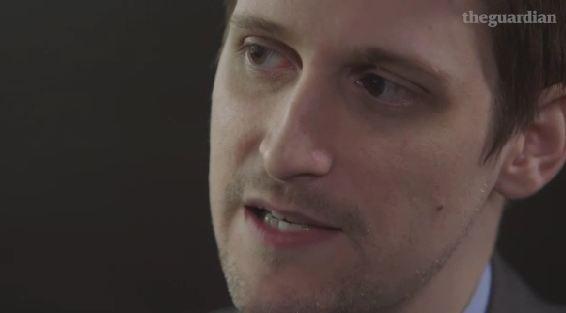 Edward Snowden ønsker å motta en pris i Norge, men først vil han sikre seg mot å bli utlevert til USA.