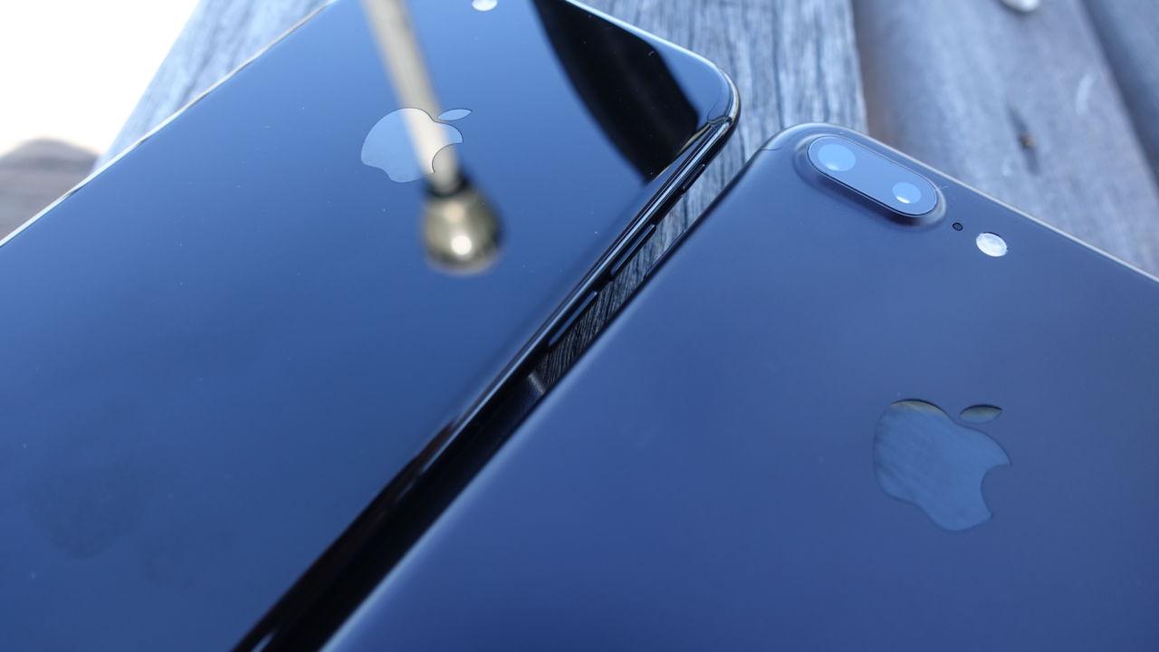 Begge de nye iPhone 7-modellene seiler inn på topp hos Telia i november.