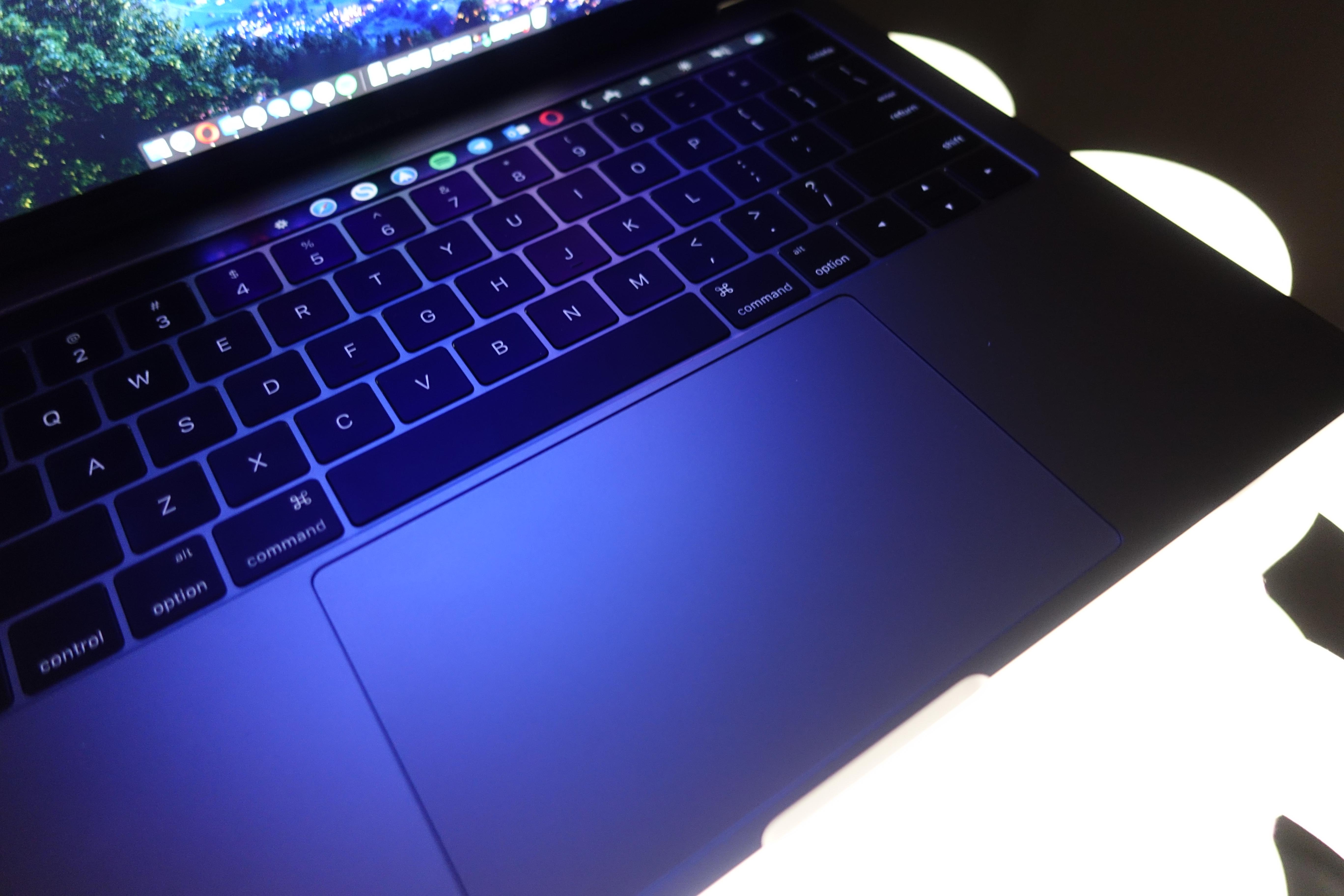 """Apples nye maskin er lett gjenkjennelig, spesielt for de av dere som har kjennskap til MacBook 12""""."""