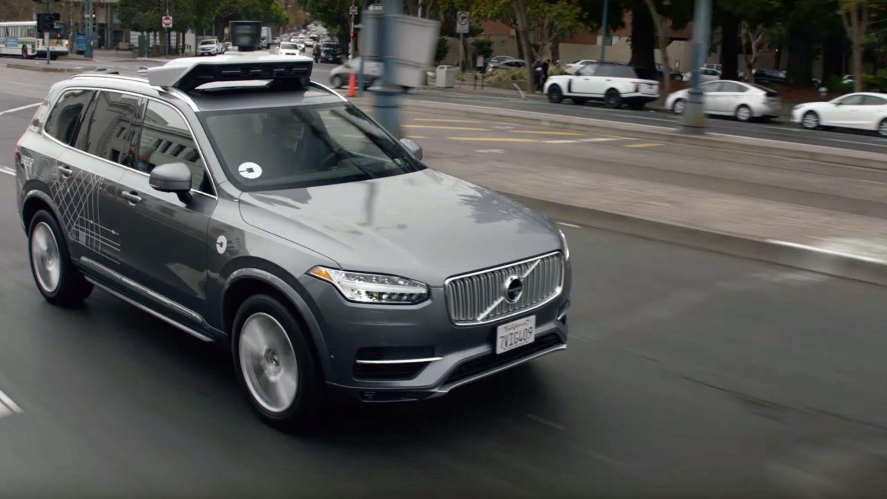 Uber er pent nødt til å parkere de selvkjørende bilene i California.