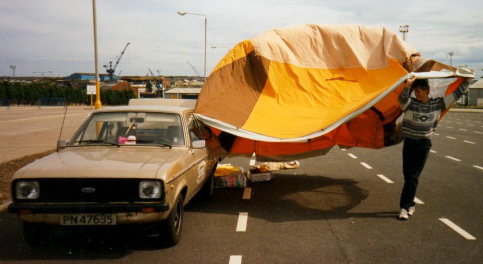 To dager for tidlig fremme ved havna i Newcastle, så da ble tiden brukt til helt andre ting, blant annet telttørking.