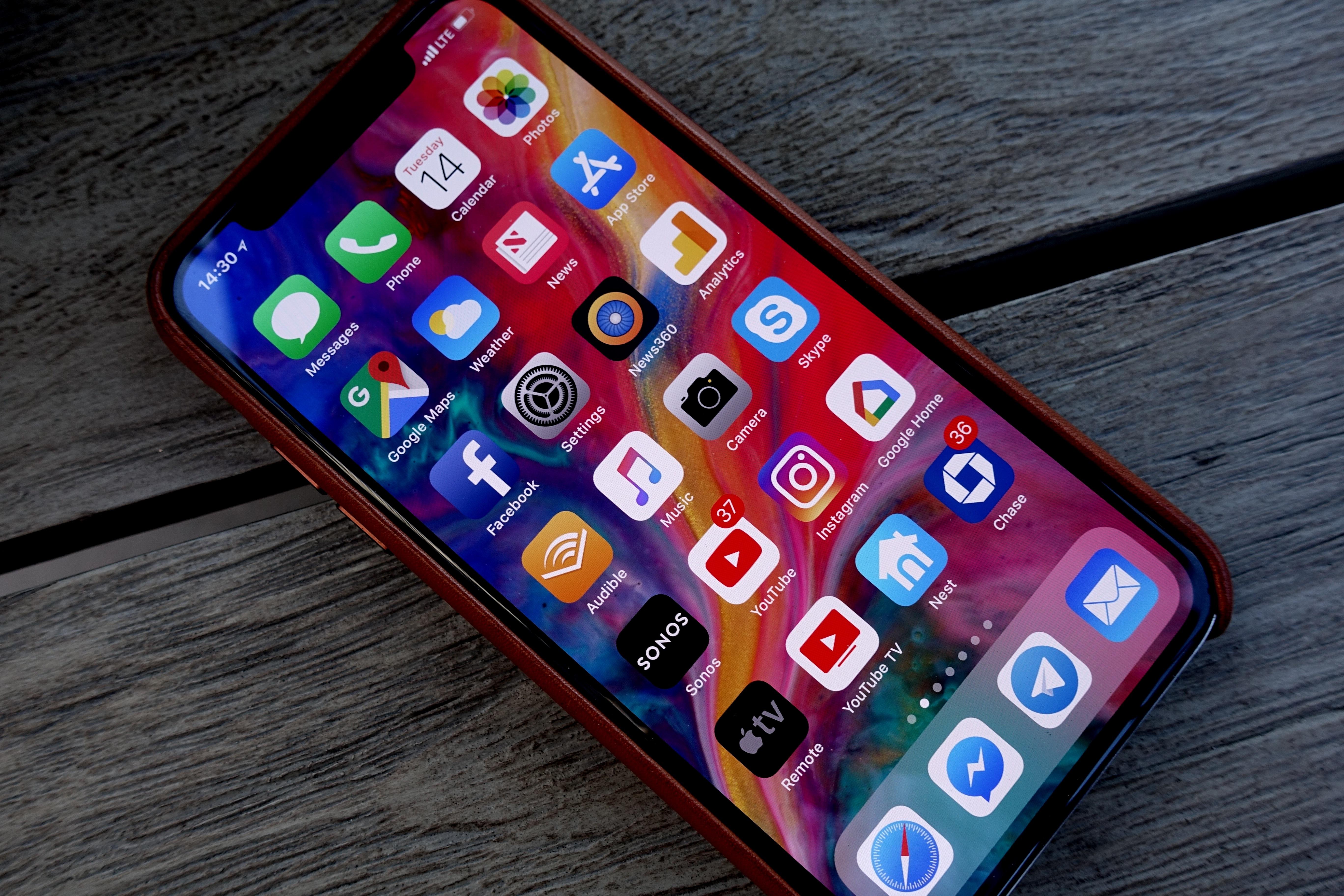- Årets iPhoner vil bruke Intel-modemer.