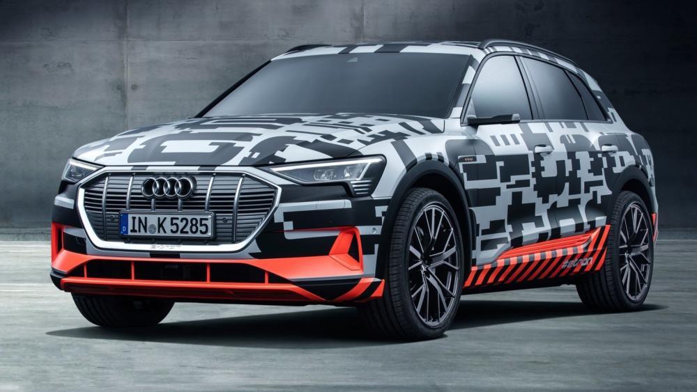 Nå vet vi når Audi skal vise frem e-tron quattro.