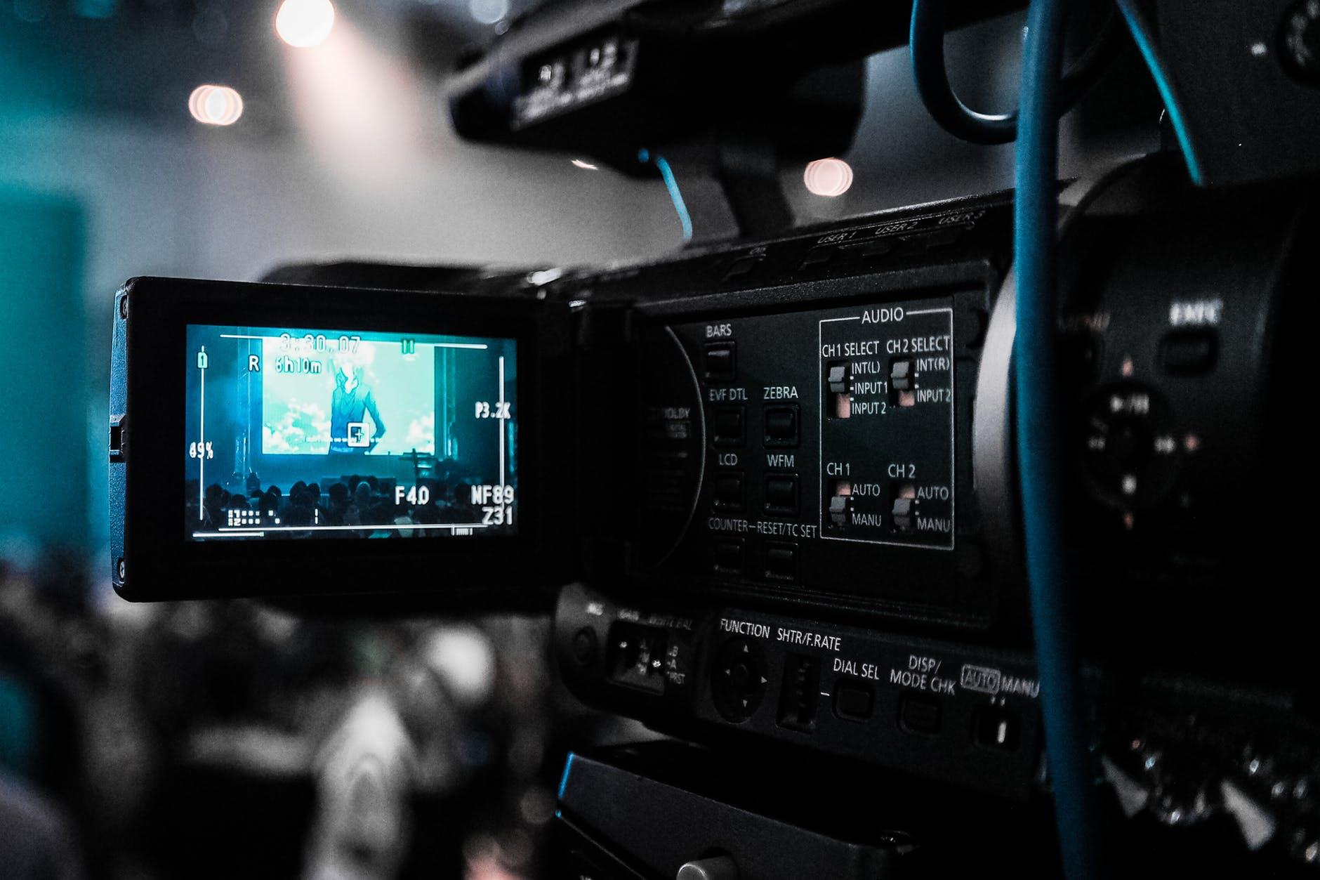 Medietopper vil utestenge nettpirater fra nettet.