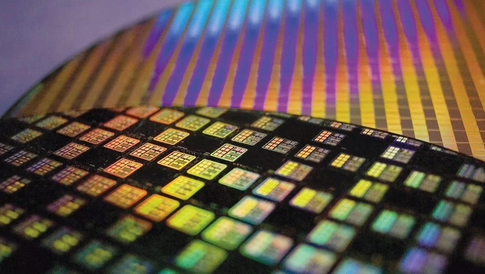 TSMC fortsetter å flytte på grensene i produksjonen av sine brikker. Apple skal visstnok være det første selskapet som får en smarttelefon der prosessoren er produsert med 5nm-prosessen.