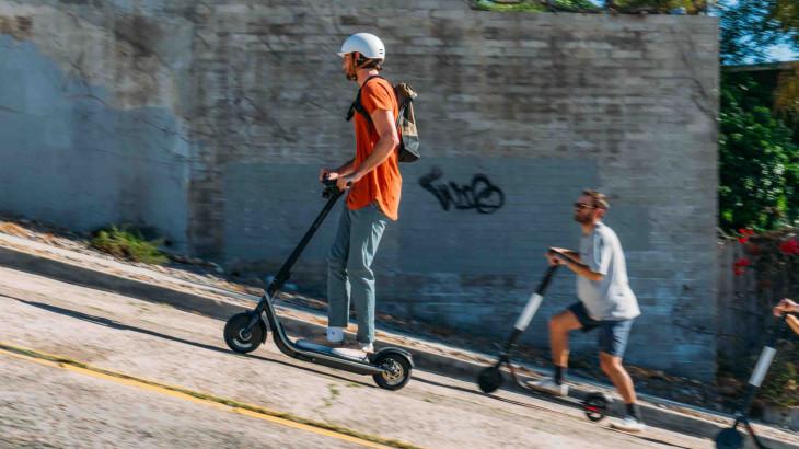 Boosted lanserer el-sparkesykkel: tre ganger dyrere enn konkurrentene
