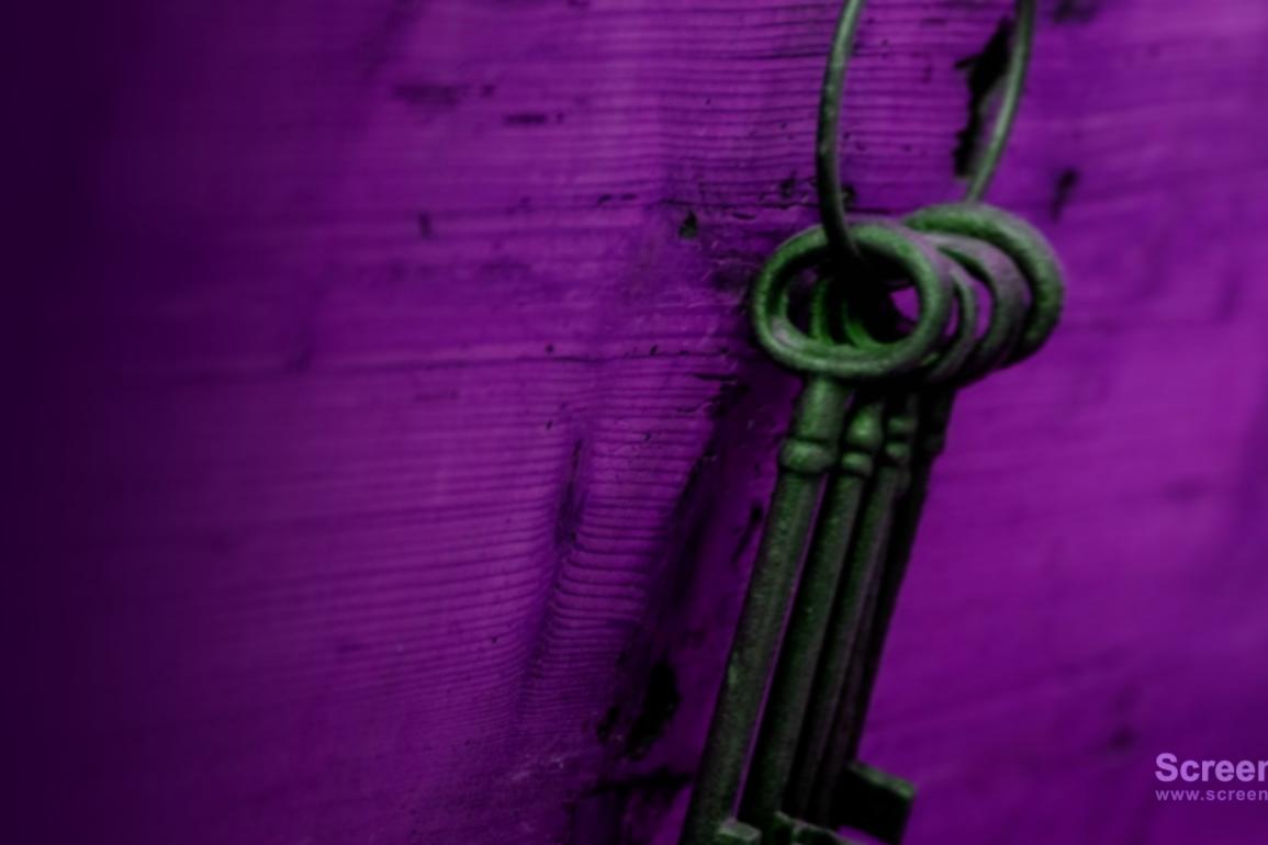 Ragnarok forlot kontoret og hang nøklene på veggen.