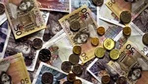 RIK PÅ TYSTING: Svesnker som vil ladre på sjefen kan få godt betalt.