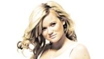 MISBRUKT: Sandra Lyng Haugen føler seg misbrukt etter at manipulerte nakenbilder er blitt lagt ut på nettet.
