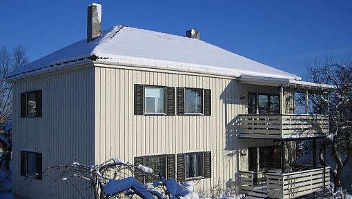 BREDBÅND: Dette huset i Trondheim er til salgs. I annonsen på finn.no står det «Muligheter for bredbånd», noe som er stadig viktigere for kjøpe