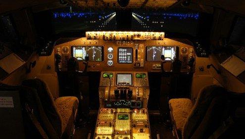 Her er simulatoren for den velbeslåtte flyentusiasten.
