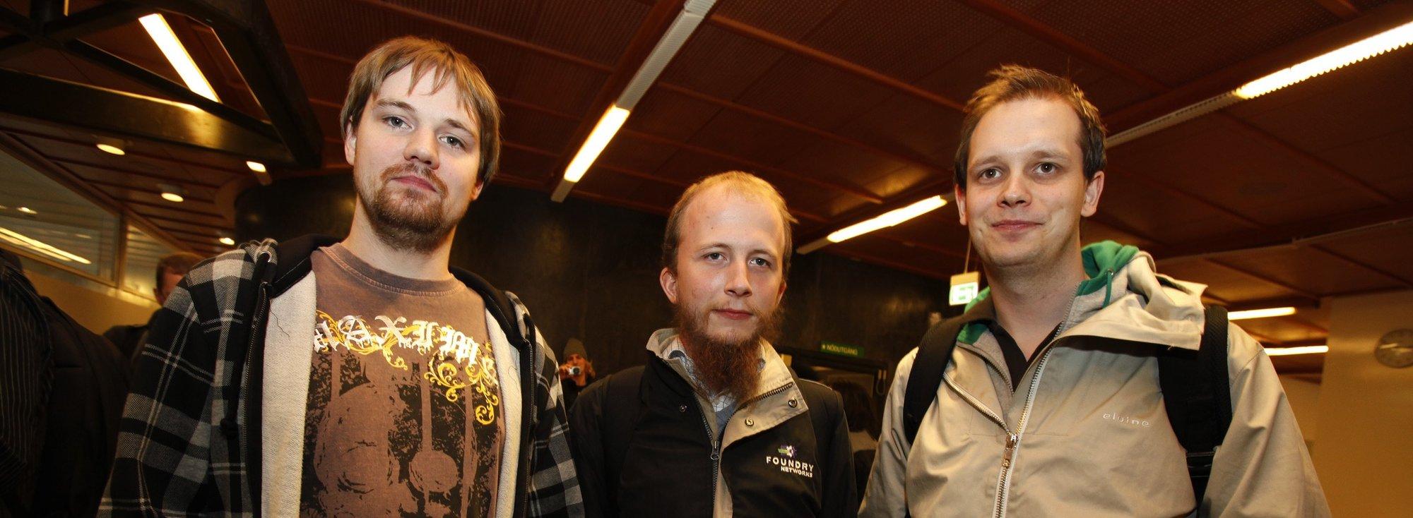 Fra venstre: Fredrik Neij, Gottfrid Svartholm-Warg og Peter Sunde. Svartholm-Warg var ikke tilstede under ankesaken og får derfor ingen dom i dag. Han må møte i retten senere.