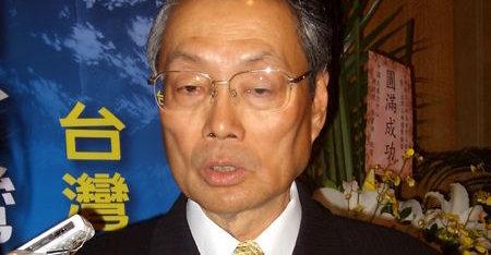 Acers Stan Shih (han forlot sjefsstolen i 2004) er ikke imponert over nettbrett og tynne bærbare og håper bransjen snart begynner å innovere. Acer skal likevel lansere sin eget tablet, eller Tablet PC som selskapet velger å kalle dem.
