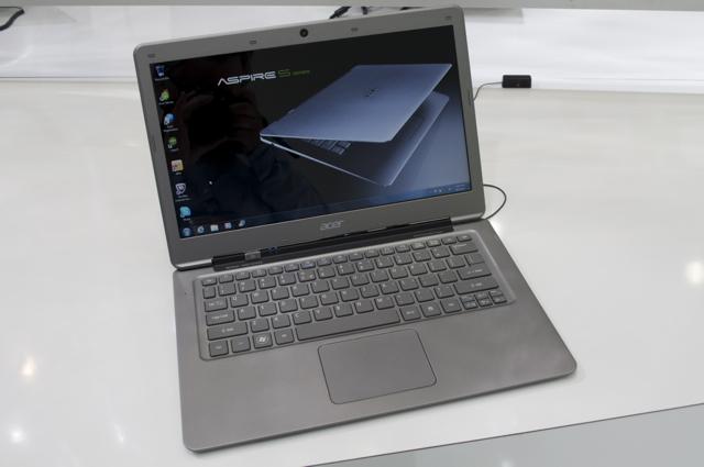 Endelig har Windows-laptopen blitt vakker. Acer Ultrabook S3 er en maskin man umiddelbart får lyst på.