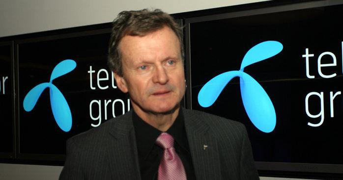 Konsernsjef Jon Fredrik Baksaas i Telenor valgte to ganger å følge anmodningen fra pakistanske myndigheter om stenge nettet.