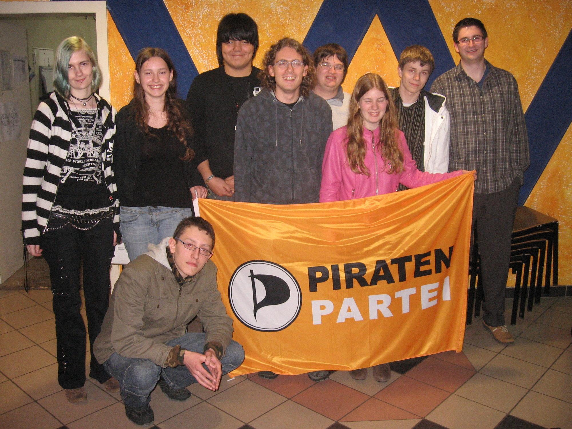 Det tyske Piratpartiet har grunn til å feire valgseieren i Berlin. Her stifterne av partiet.