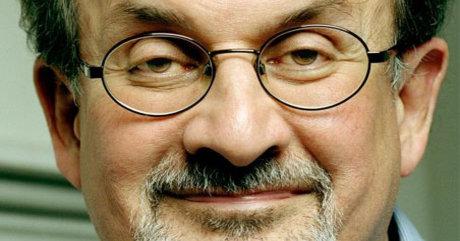 Forfatteren Salman Rusdie vil gjerne hete det han heter på Facebook.