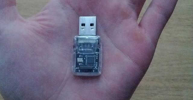 Denne smarte, lille USB-dingsen gjør at du kan bruke en hvilken som helst fjernkontroll med ditt XBMC-mediesenter.